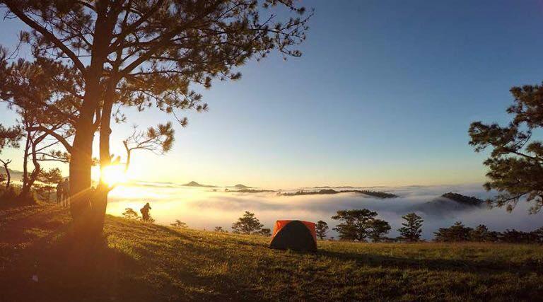 lựa chọn địa điểm lý tưởng cắm trại ở đà lạt