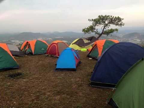 khung cảnh cắm trại tại đà lạt